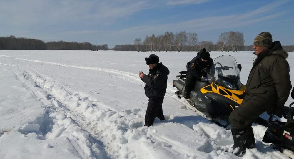 следы снегохода